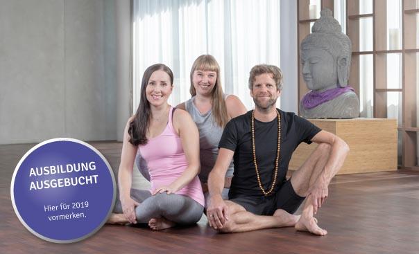 gruppenfoto_yogalehrer_ausbildung